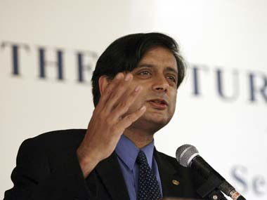 Priyanka not a part-time politician, but Jaitley a part-time LS aspirant: Tharoor