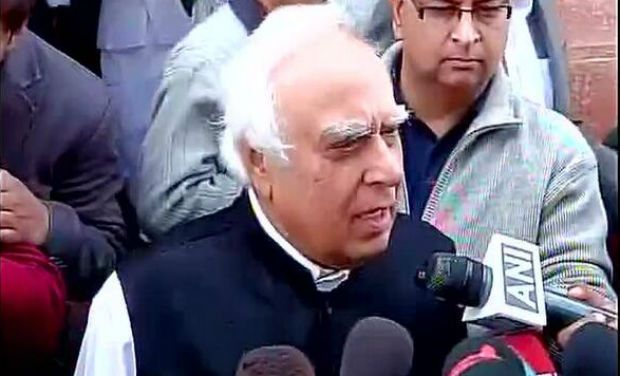 Govt. to appoint judge to probe Snoopgate by May 16: Sibal