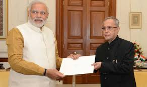 President gets first copies of three books on Rashtrapati Bhavan