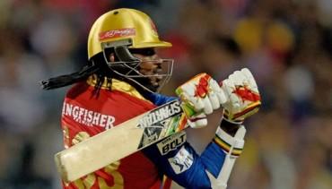 Savage Chris Gayle Gust Kolkata away : KKR vs RCB