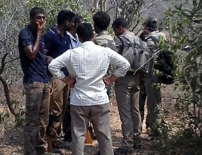 Gunbattles kill 20 red sandalwood smugglers in Andhra