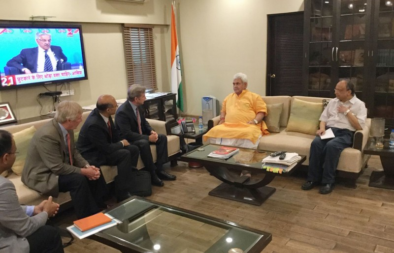 Mr Alex Rogers, Executive VP of Qualcomm meets with Manoj Sinha
